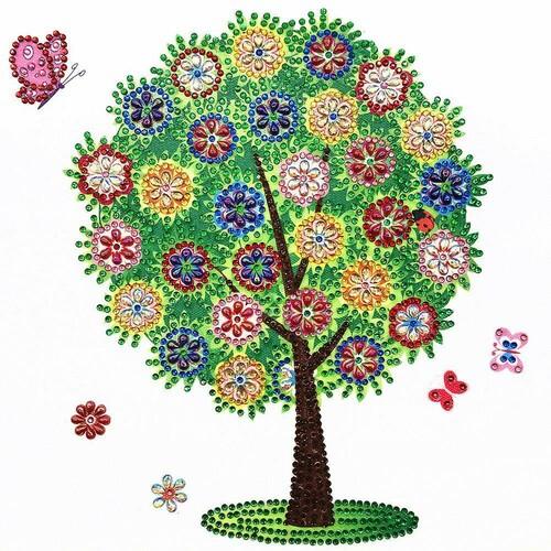Дърво и пеперуда